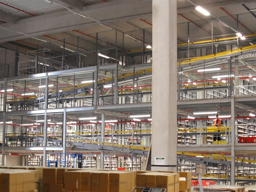 expanding-warehouse-with-new-floors